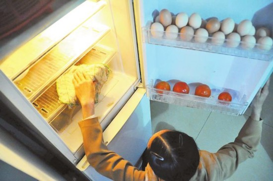 家用电器清洁大扫除 八步让冰箱光亮亮