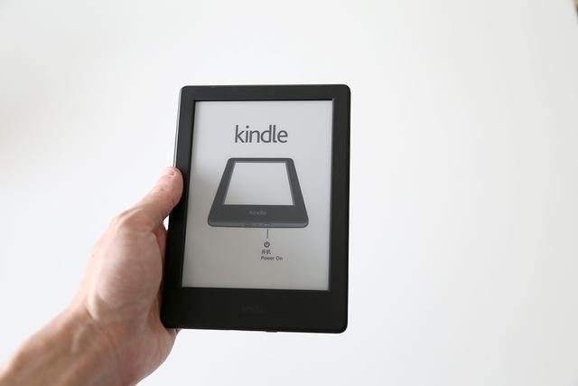 亚马逊和中国移动一起出了咪咕版的 Kindle,我们开箱之后也打开了一个新世界