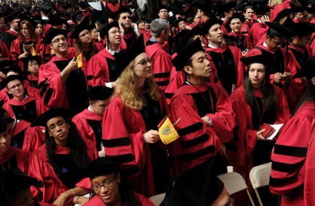 """一所让中国学生""""难以抵抗""""的大学"""