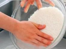 一碗淘米水的10种妙用,很实用!